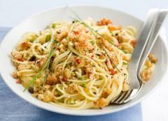 frutta secca, padella antiaderente,ricetta,primo piatto,notizie,spaghetti